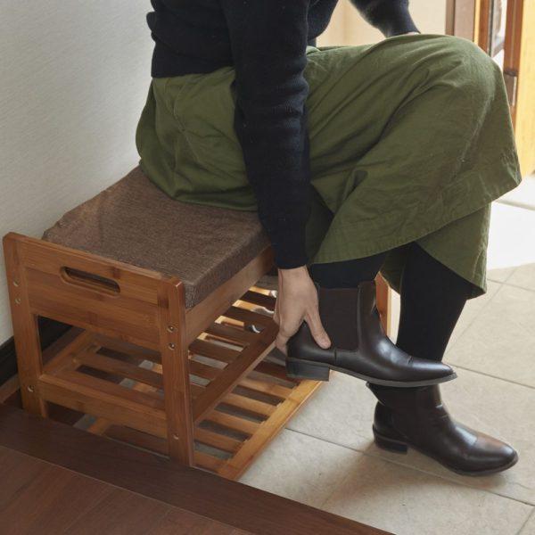 座ってしまえる竹製マルチラック