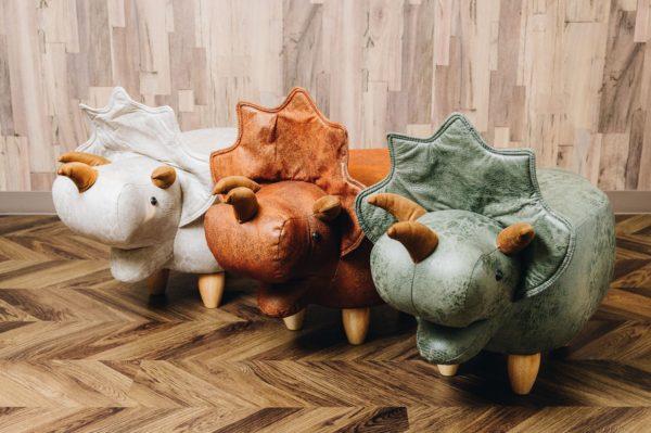 恐竜モチーフのスツール<br> Triceratops トリケラトプス